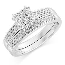 bridal sets uk 18ct white gold diamond engagement and wedding ring set 0000214