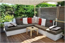 canapé en bois de palette banquette en bois de palette salon de jardin canapé d angle