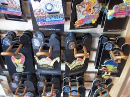 parade pins photo report july 12th 2010 innoventions lots of merchandise