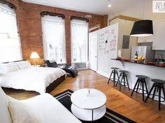 Efficiency Apartment Ideas Ein Raum Mit Schlaf Und Wohnbereich U A Mit Brimnes Bettgestell