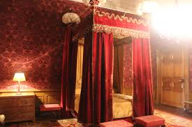 4 Poster Bed With Curtains Dazzling Design Ideas Of Red Velvet Curtains Decorating Moelmoel