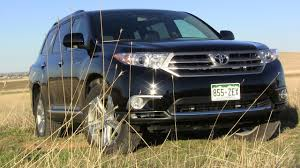 4wd toyota highlander review 2013 toyota highlander limited 4wd luxurious and