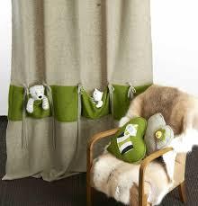 tenture chambre bébé 10 façons de customiser les rideaux d une chambre d enfant