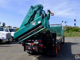 300 3 articulating crane mounted to freightliner fld 120s chassis