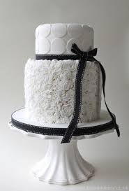 black and white wedding cakes 42 gorgeous black and white wedding cakes weddingomania