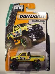 matchbox jeep 2016 amazon com matchbox mbx explorers chevy k1500 4x4 pickup truck