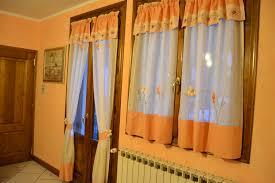 tende con mantovana per cucina tende per cucina con mantovana idee di design per la casa