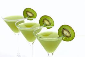 martini green kiwi martini easy vodka cocktail recipe