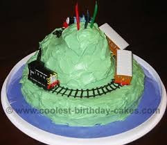 cool homemade thomas the train cake photos and ideas