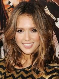 hispanic woman med hair styles spanish medium brown hair with pink highlights
