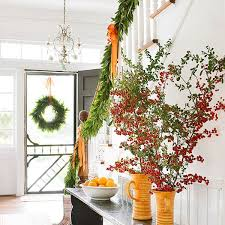Decorating Banisters For Christmas Decorate The Stairs For Christmas U2013 30 Beautiful Ideas