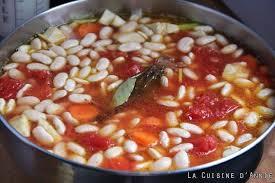 cuisiner les haricots blancs secs recette haricots blancs secs à la tomate la cuisine familiale un