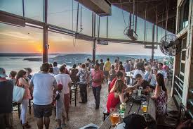 lake travis craft brewery oasis texas brewing co