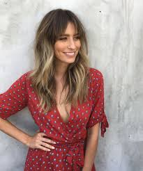 hairstyles that hit right above the shoulder la hair trends new spring haircuts celebrity stylists