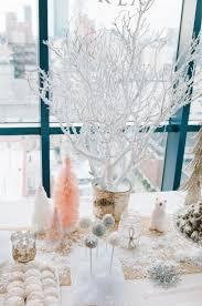 Winter Onederland Party Decorations Best 25 Winter Wonderland Birthday Ideas On Pinterest Snowflake