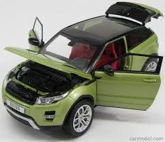 light green range rover welly we11003mbg scale 1 18 land rover range evoque 2 door 2011