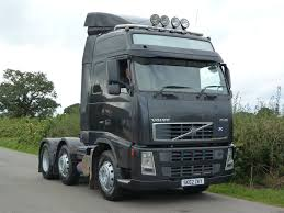 used volvo fh12 trucks used volvo fh12 trucks suppliers and volvo fh 12 460 6 x 2 globetrotter tractor