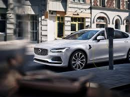 volvo debuts s90 sedan with t8 plug in hybrid option