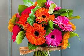 flowers for men do men like flowers is it okay to gift flowers to men
