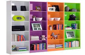 estantes y baldas estanterias y librerias en la decoracion