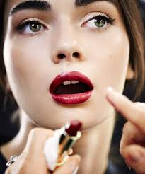 how to be a makeup artist how to apply lipstick like a makeup artist