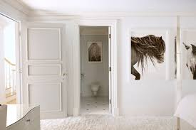 minimal all white bedroom with horse photography by drew doggett interiors minimal all white