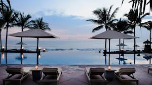 file the legian bali overview infinity pool sunset jpg wikimedia file the legian bali overview infinity pool sunset jpg