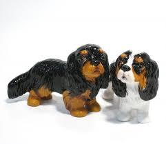 cavalier king charles spaniel tri color figurine ornament table