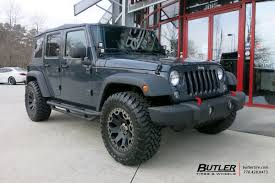 jeep wrangler with 18in black rhino warlord wheels exclusively