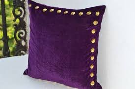 10 Ideas of Purple Decorative Pillows