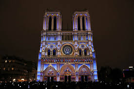 Light Show Breathtaking Light Show At Notre Dame Cathedral Commemorates Wwi