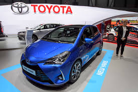 toyota international toyota may delay u k investment decision on auris until brexit