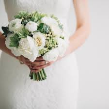 simple wedding bouquets the 10 best simple chic wedding bouquets pretty happy