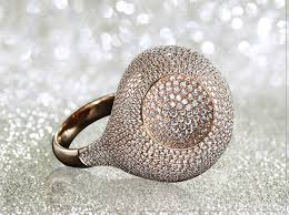 Wedding Ring On Right Hand by The Significance Of Wearing A Wedding Ring On Your Left Or Right