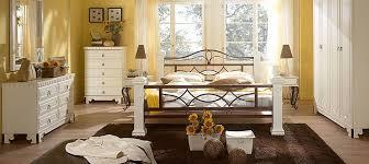 schlafzimmer komplett massivholz schlafzimmermöbel massivum