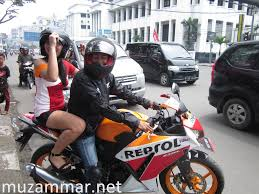 cbr r150 test ride all new honda cbr 150r lebih enak main di rpm