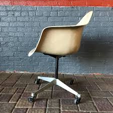 Rolling Armchair Eames For Herman Miller Armchair On Rare Rolling Dat Base At 1stdibs