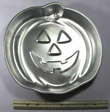wilton halloween cake pans vintage wilton jack o lantern halloween cake pan 1981 sold on ruby