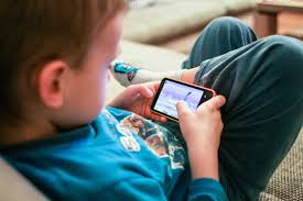 kids like mobile games free stock photo download picjumbo
