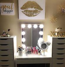Makeup Vanity Table With Lights Best 25 Makeup Table With Mirror Ideas On Pinterest Vanity Lights