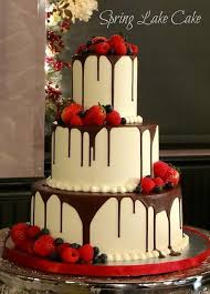 chocolate wedding cakes fascinating strawberry wedding cake 1000 ideas about strawberry