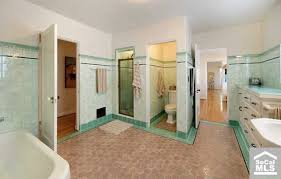 cleaning dirty bathroom tiles this colour mistake will make your house look bad maria killam