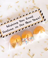 new year party favors 20 new year s happiness is