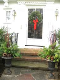 Christmas Decoration For Front Of House by Living It At Home Our Easy Christmas Decorations For Front Door