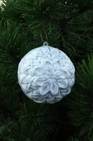 free step by step for a quilted ornament