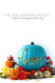 9 diy painted pumpkin tutorials for halloween shelterness
