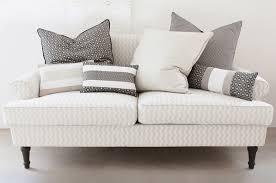 cuscini per arredo cuscini decorativi per arredo l opificio tessuti e velluti