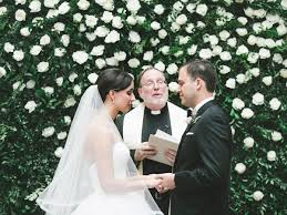 how much should you give for a wedding your guide to wedding officiant fees and donations