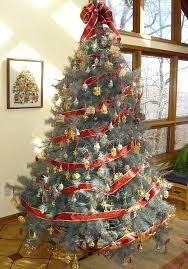 stylish decorating tree with ribbon decor ideas