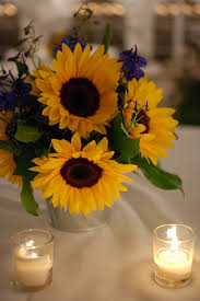 table centerpieces with sunflowers centerpieces sunflower centerpieces sunflowers and centerpieces